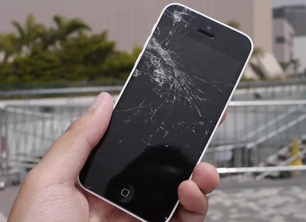 iPhone 5S & 5C crash test (Video)